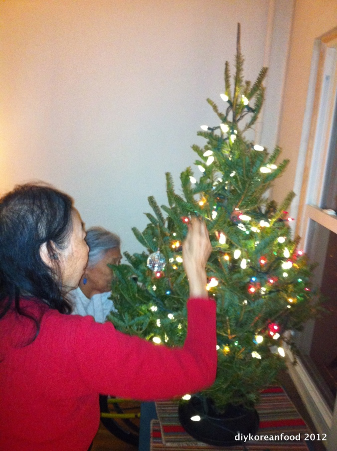 Old Ladies w/Tree