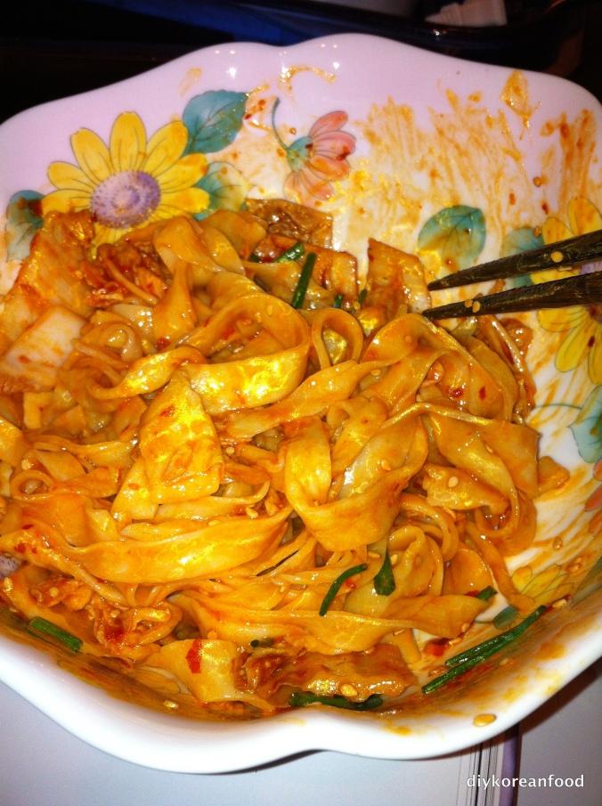 Make my noodle kimchi!